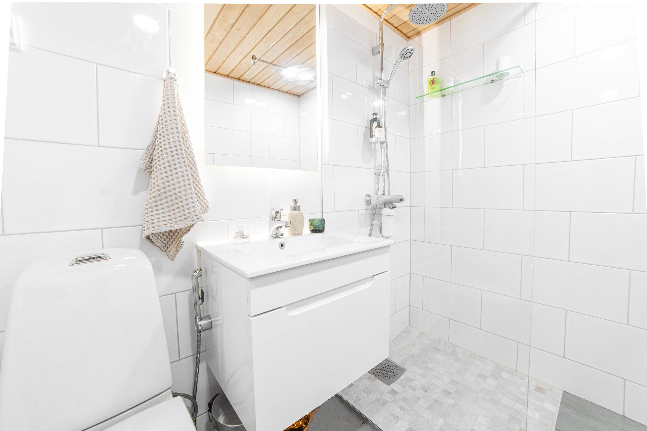 Asuntokuvaus kylpyhuone